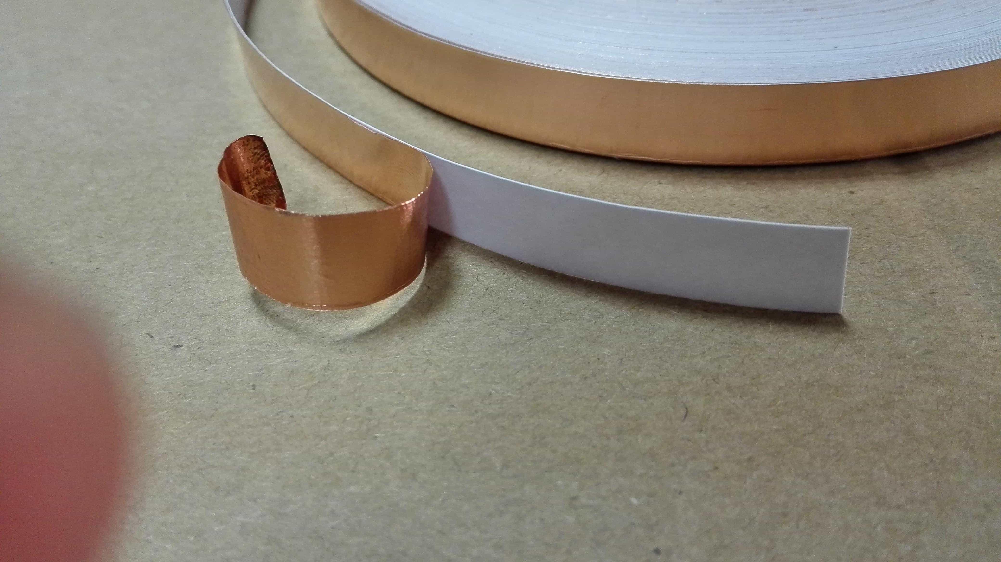 铜箔胶纸怎么贴?